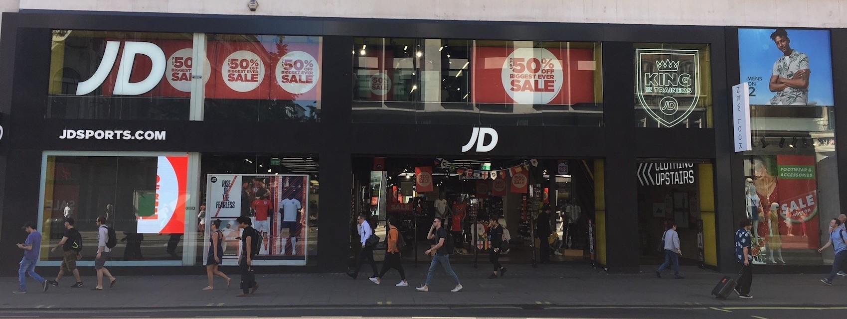 How does Technology Enhance the In-Store Customer Experience at JD Sports?